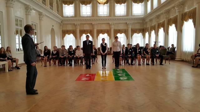 Ученица 10 класса Островской средней школы вышла на Всероссийский этап олимпиады «Умницы и умники»