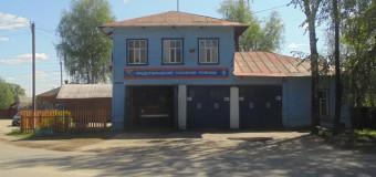 На улице Гагарина в поселке Островское произошел пожар