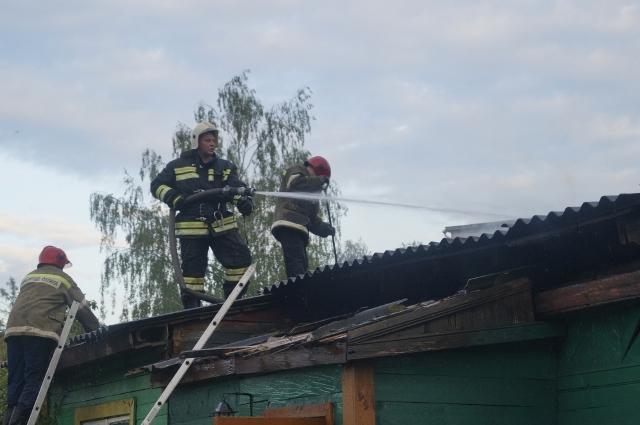 В поселке Островское случился пожар