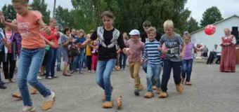 14 августа в поселке Островское прошел, ставший уже традиционным, День лаптя.