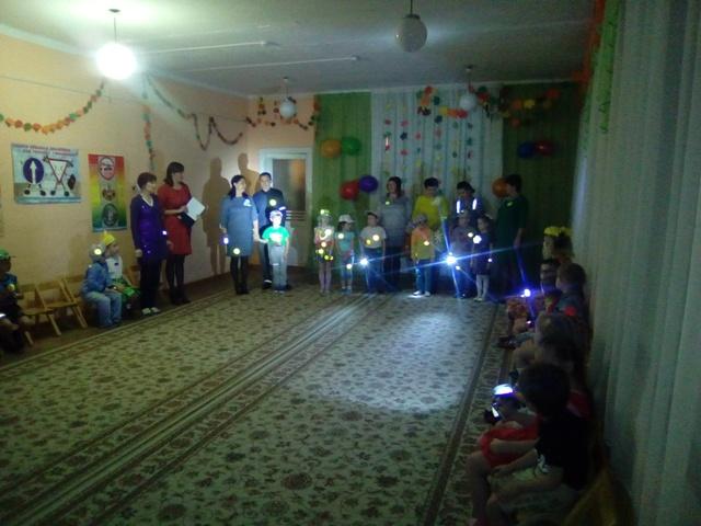 В детском садике «Теремок» поселка Островское проведено праздничное профилактическое мероприятие  «Светящийся карнавал»