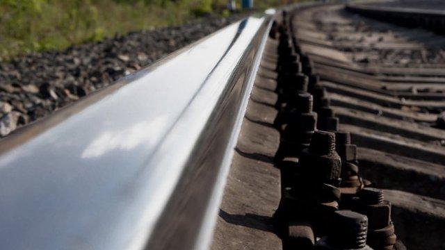В Островском районе усилен контроль за движением на железнодорожных переездах