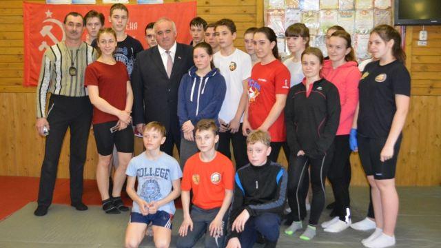 Губернатор Костромской области посетил детско-юношеский центр «Импульс» в Островском