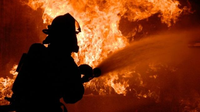 Пожар в Островском районе уничтожил жилой дом