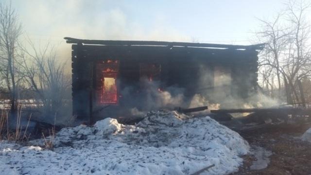 Добровольцы Островского района приняли участие в тушении пожара в п. Дымница