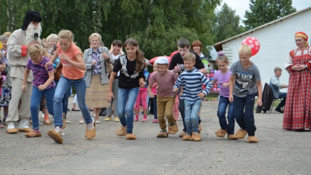 19 августа в Островском состоится праздник «Семеновский лапоть»